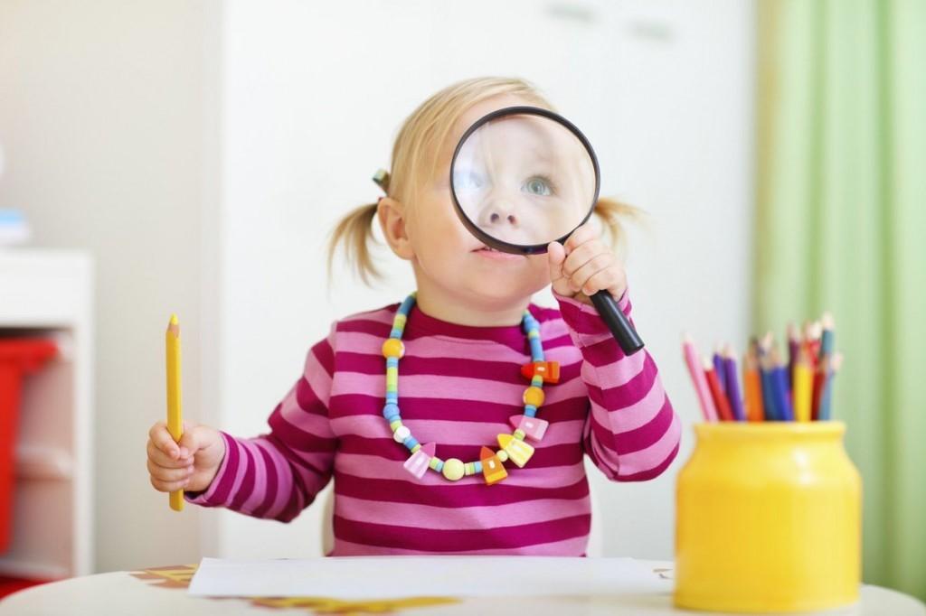 "Девочка на занятие курса ""Подготовка к школе"""